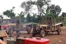 Bé trai tử vong vì rơi từ xe công nông ở Đắk Lắk