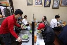 Hà Nội: Dịch vụ cắt tóc, gội đầu, ăn, uống trong nhà được hoạt động trở lại