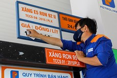 Giá xăng, dầu tăng hơn 700 đồng/lít