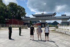 Cao Bằng: Trao trả ba công dân nước ngoài nhập cảnh trái phép vào Việt Nam