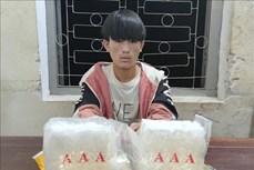 Bắt đối tượng Sùng A Hử thu 2 kg ma túy đá