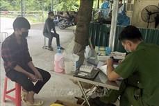 Lai Châu xử phạt 7 trường hợp trốn tránh và tiếp tay cho người vi phạm qua chốt kiểm dịch