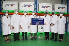Việt Nam tiếp nhận 403.000 liều vaccine phòng COVID-19 do Chính phủ Australia tài trợ
