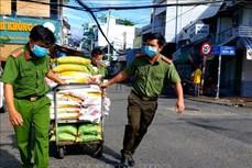 Sử dụng gần 2.200 tỷ đồng mua bù gạo dự trữ quốc gia hỗ trợ người dân gặp khó khăn do dịch COVID-19