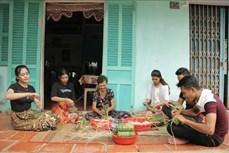 Mừng lễ Sene Dolta, đồng bào Khmer Nam bộ không quên phòng, chống dịch COVID-19