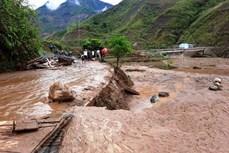 Mưa lũ trên cả nước còn phức tạp, vùng núi đề phòng lũ quét, sạt lở đất
