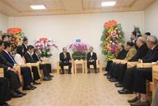 政府常务副总理张和平向大叻主教座堂和越南福音教教会致以圣诞祝福