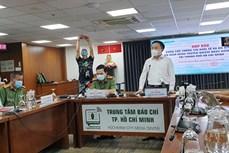 新冠肺炎疫情:一名空中乘务员违反传染病防治规定遭起诉