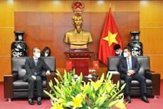 越中两国为货物进出口活动创造便利条件