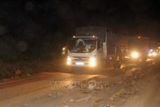 Lào Cai: Mưa lớn gây sạt lở và làm ách tắc Quốc lộ 279