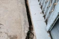 An Giang: Di dời 14 hộ dân trong vùng sạt lở đất ven bờ rạch Cái Sắn