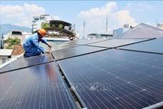 Phát triển mạnh hệ thống điện mặt trời áp mái