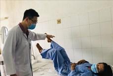 Bệnh viện Đa khoa Trung ương Cần Thơ thay đốt sống Titanium cứu sống bệnh nhân