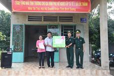 Bình Phước trao 50 căn nhà tặng các hộ dân tại điểm dân cư liền kề chốt dân quân biên giới