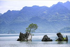 Khai thác hiệu quả tiềm năng du lịch khám phá, trải nghiệm hồ Hòa Bình