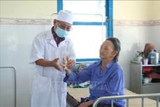 """Ngày Thầy thuốc Việt Nam 27/2: Gieo """"mầm sống"""" cho những bệnh nhân phong"""