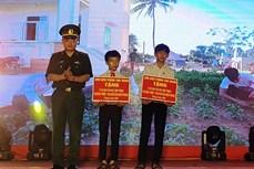 Bộ đội biên phòng Quảng Nam ươm mầm ước mơ cho trẻ em đồng bào Cơ Tu