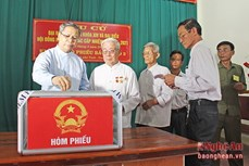 Vận động chức sắc, chức việc, tín đồ tôn giáo tích cực tham gia bầu cử