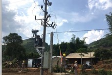 57 hộ dân bản Ten Ư được sử dụng điện lưới quốc gia trước ngày bầu cử