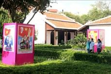Triển lãm tranh cổ động ở Bình Thuận kỷ niệm Ngày Bác Hồ ra đi tìm đường cứu nước
