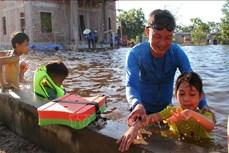 Tỉnh Đoàn Quảng Trị tổ chức dạy bơi miễn phí cho trẻ để hạn chế nguy cơ đuối nước