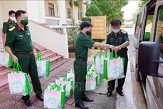 Hỗ trợ hàng ngàn phần quà cho người dân vùng dịch ở Sóc Trăng