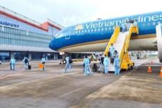 Khách đi máy bay, tàu hoả không cần xét nghiệm nếu đã tiêm một mũi vaccine