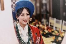 河内市年轻人举行迎亲仪式 再现阮朝传统婚俗