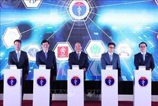 阮春福总理出席远程医疗服务系统启动仪式