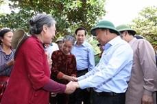 政府总理阮春福:为洪灾地区灾民救援活动创造便利条件