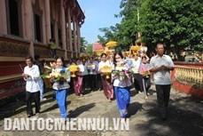 Người Khmer ở Sóc Trăng đón lễ Kathina