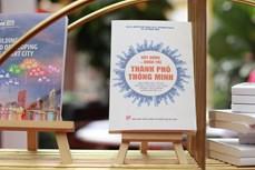 Trưng bày, triển lãm sách nhân kỷ niệm 75 Ngày truyền thống Nhà xuất bản Chính trị quốc gia Sự thật