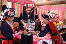 Giữ gìn nghề dệt thổ cẩm của người Dao đỏ ở Hoàng Su Phì, Hà Giang