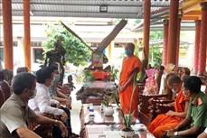 Thăm, chúc mừng đồng bào Khmer nhân Lễ Sene Dolta cổ truyền