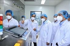 លោកប្រធានរដ្ឋ ង្វៀនស៊ន់ភុក អញ្ជើញទស្សនាកិច្ចក្រុមហ៊ុនភាគហ៊ុនជីវបច្ចេកវិទ្យាឱសថ Nanogen