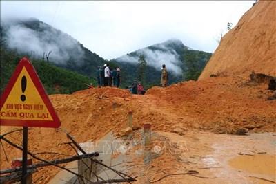 Khẩn trương khắc phục hậu quả do bão số 5 gây ra tại huyện vùng cao Trà Bồng