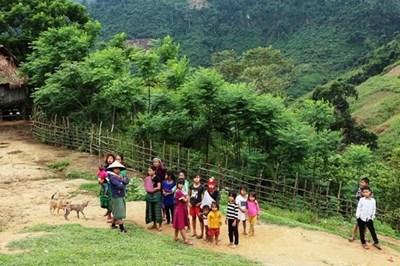 大力关注得农省少数民族同胞物质和精神生活
