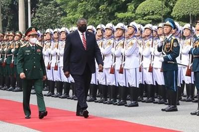 美国国防部部长奥斯汀对越南进行正式访问