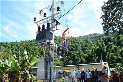 Lai Châu đưa ánh sáng điện đến với người dân vùng khó