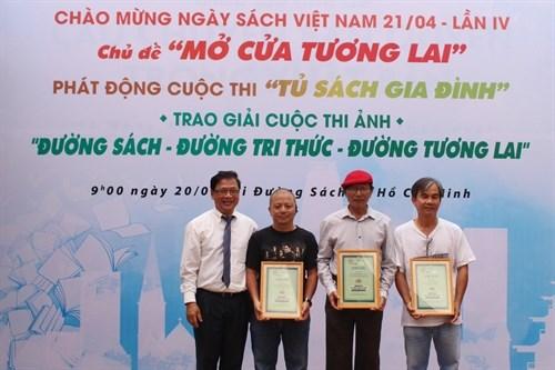 Khai mac tuan le chao mung Ngay sach Viet Nam tai Thanh pho Ho Chi Minh hinh anh 2
