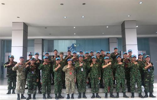 越南参加ADMM+框架内的人道主义排雷及联合国维和实地演练活动 hinh anh 1
