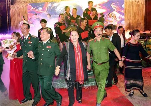 """Chu tich Quoc hoi Nguyen Thi Kim Ngan du chuong trinh """"Xuan Bien phong am long dan ban"""" tai huyen Buon Don, Dak Lak hinh anh 1"""