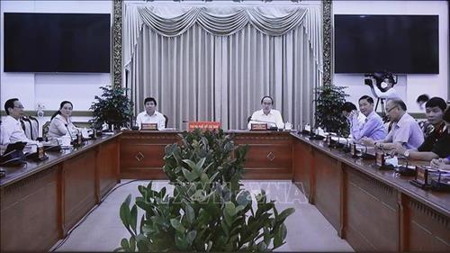 Thu tuong Nguyen Xuan Phuc: Thanh pho Ho Chi Minh phai tro lai vi the cuc tang truong dau tau kinh te cua ca nuoc hinh anh 3
