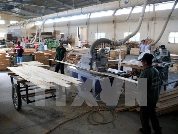 2017年前五月全国工业生产指数小幅增长 hinh anh 1