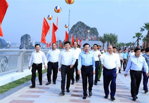 越南政府总理阮春福:广宁省应打造尖端旅游产业 hinh anh 2