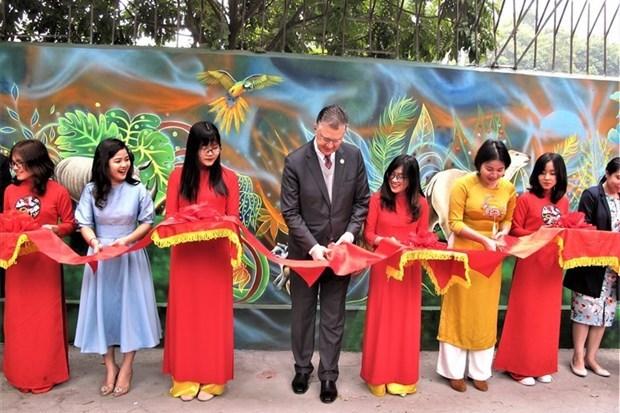 """河内市""""清洁环境——绿色星球""""壁画项目竣工验收 hinh anh 1"""