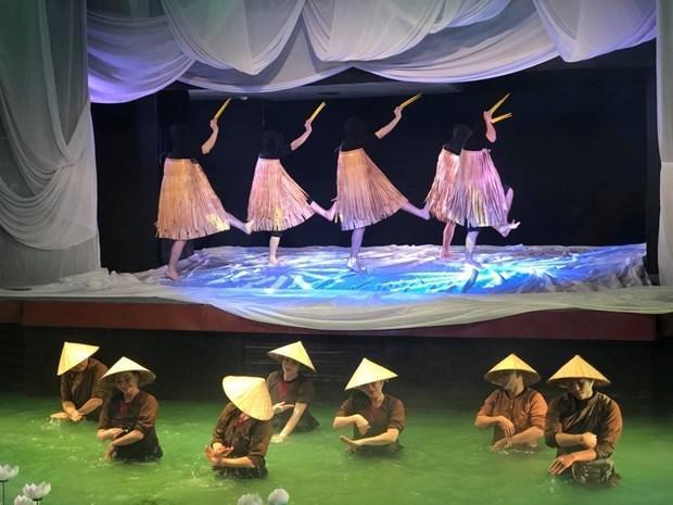 """通过""""月亮 """"试验木偶戏体验越南文化 hinh anh 1"""