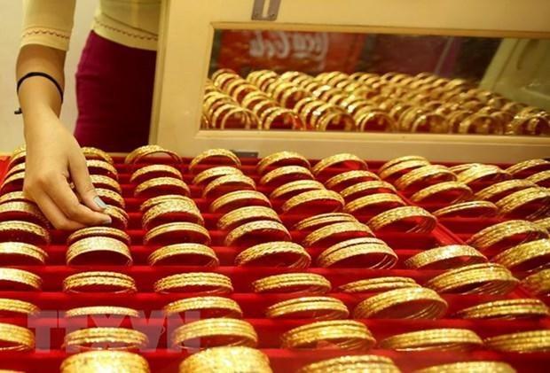 今日上午越南国内市场黄金价格每两下降10万越盾 hinh anh 1