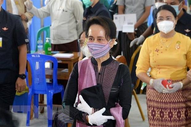 缅甸军方实施为期一年的紧急状态 hinh anh 1