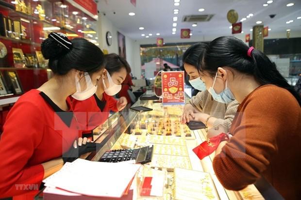 2月1日上午越南国内市场黄金价格每两接近5700万越盾 hinh anh 1